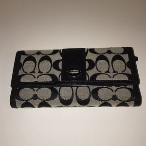Coach Hampton Signature Checkbook Wallet